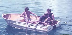 jps, Martin Forbes, rmg in a Ninigo boat